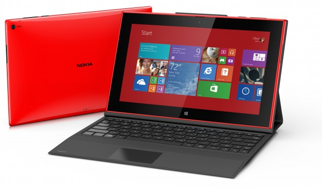 Nokia Lumia 2520 with keyboard