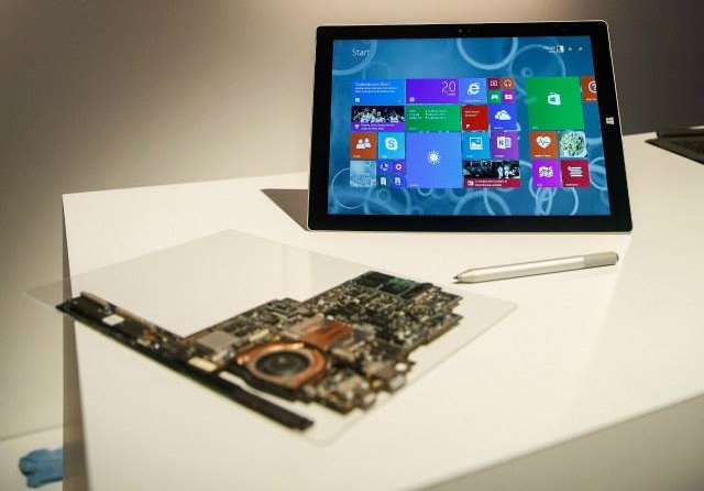 Microsoft Surface Pro 3 motherboard and Intel Core processor
